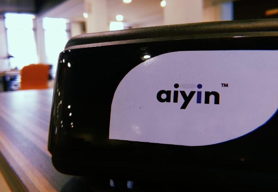 VR Aiyin goggles on display