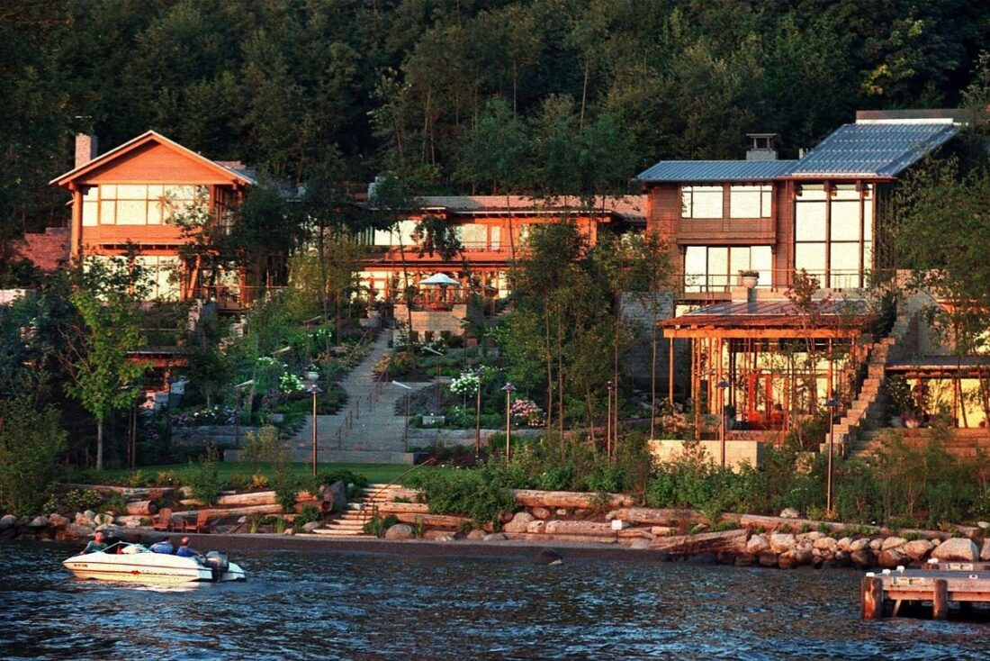 Where Does Bill Gates Live?