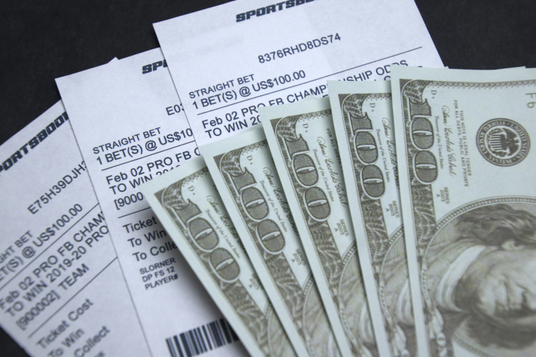 The Key To Becoming A Pro Gambler: Overcoming Herd Mentality